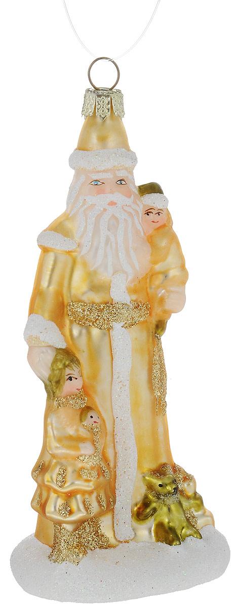 Украшение новогоднее подвесное Winter Wings Дед Мороз, 5,5 х 5 х 11,5 смN07607Украшение Winter Wings Дед Мороз прекрасно подойдет для праздничного декора новогодней ели. Изделие выполнено из высококачественного стекла и украшено блестками. Для удобного размещения на елке предусмотрена петелька. Елочная игрушка - символ Нового года. Она несет в себе волшебство и красоту праздника. Создайте в своем доме атмосферу веселья и радости, украшая новогоднюю елку нарядными игрушками, которые будут из года в год накапливать теплоту воспоминаний.