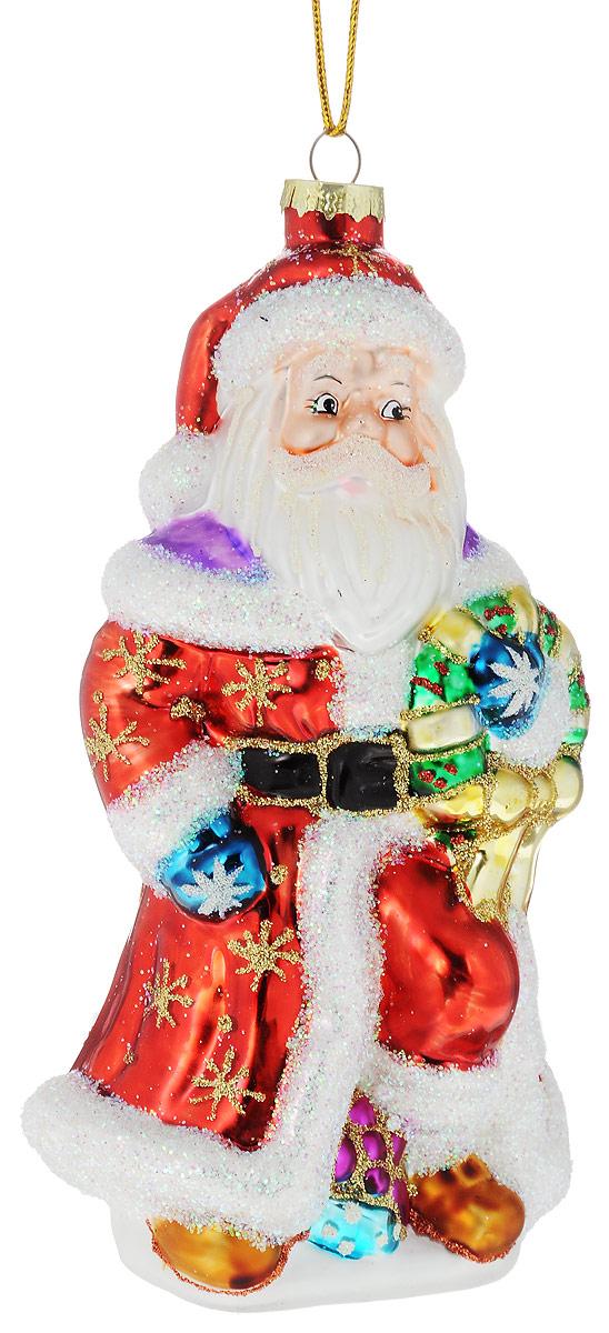 Украшение новогоднее подвесное Winter Wings Дед Мороз с подарком, 9 х 8 х 18 смN07703Украшение Winter Wings Дед Мороз с подарком прекрасно подойдет для праздничного декора новогодней ели. Изделие выполнено из высококачественного стекла и украшено сверкающими блестками. Для удобного размещения на елке предусмотрена текстильная петелька. Елочная игрушка - символ Нового года. Она несет в себе волшебство и красоту праздника. Создайте в своем доме атмосферу веселья и радости, украшая новогоднюю елку нарядными игрушками, которые будут из года в год накапливать теплоту воспоминаний.