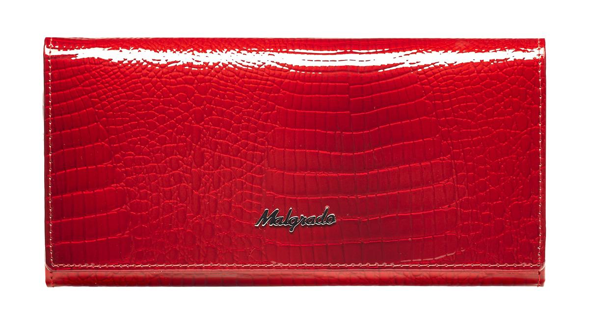 Кошелек женский Malgrado, цвет: красный. 72058-4472058-44Женский кошелек Malgrado изготовлен из натуральной кожи с декоративным тиснением под крокодила. Купюры вмещаются в полную длину. Закрывается кошелек при помощи клапана на кнопку. Внутри расположено три отделения для купюр, два потайных отделений для бумаг, семь кармашков для пластиковых карт и визиток, один кармашек на молнии, два отделения для мелочи, который закрывается на рамочный замок, а также прозрачное окошко для фотографии. С задней стороны также имеется открытое отделение для мелочи или бумаг. Такой кошелек стильно дополнит ваш образ и станет незаменимым аксессуаром. Кошелек упакован в подарочную металлическую коробку синего цвета.