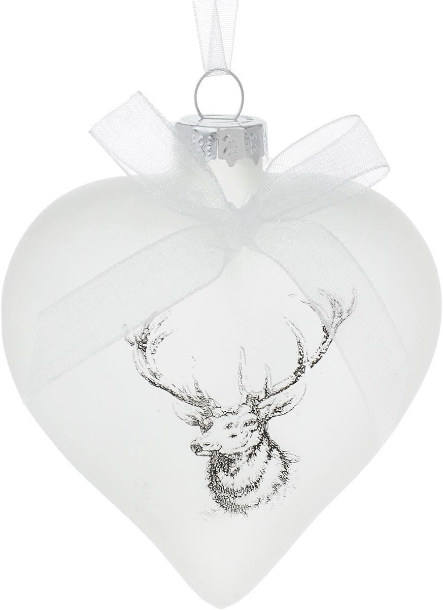 Украшение новогоднее подвесное Winter Wings Олень, высота 7 смN07971Новогоднее подвесное украшение Winter Wings Олень выполнено из стекла в виде сердца. С помощью специальной петельки украшение можно повесить в любом понравившемся вам месте. Но, конечно, удачнее всего оно будет смотреться на праздничной елке. Елочная игрушка - символ Нового года. Она несет в себе волшебство и красоту праздника. Создайте в своем доме атмосферу веселья и радости, украшая новогоднюю елку нарядными игрушками, которые будут из года в год накапливать теплоту воспоминаний. Размер украшения: 7 х 7 см.