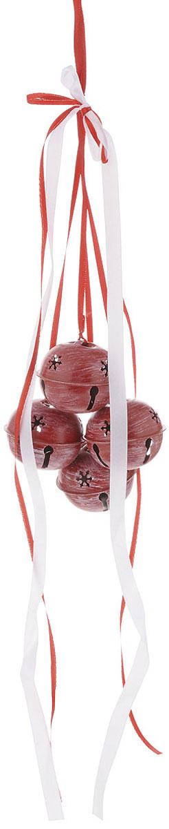 Украшение новогоднее подвесное House & Holder Бубенчики, цвет: белый, красный, диаметр 5 смDP-C04-39513RНовогоднее подвесное украшение House & Holder Бубенчики выполнено из металла. Изделие оформлено перфорацией. С помощью специальной петельки украшение можно повесить в любом понравившемся вам месте. Но, конечно, удачнее всего оно будет смотреться на праздничной елке. Елочная игрушка - символ Нового года. Она несет в себе волшебство и красоту праздника. Создайте в своем доме атмосферу веселья и радости, украшая новогоднюю елку нарядными игрушками, которые будут из года в год накапливать теплоту воспоминаний. Диаметр: 5 см. Количество бубенчиков: 4 шт.