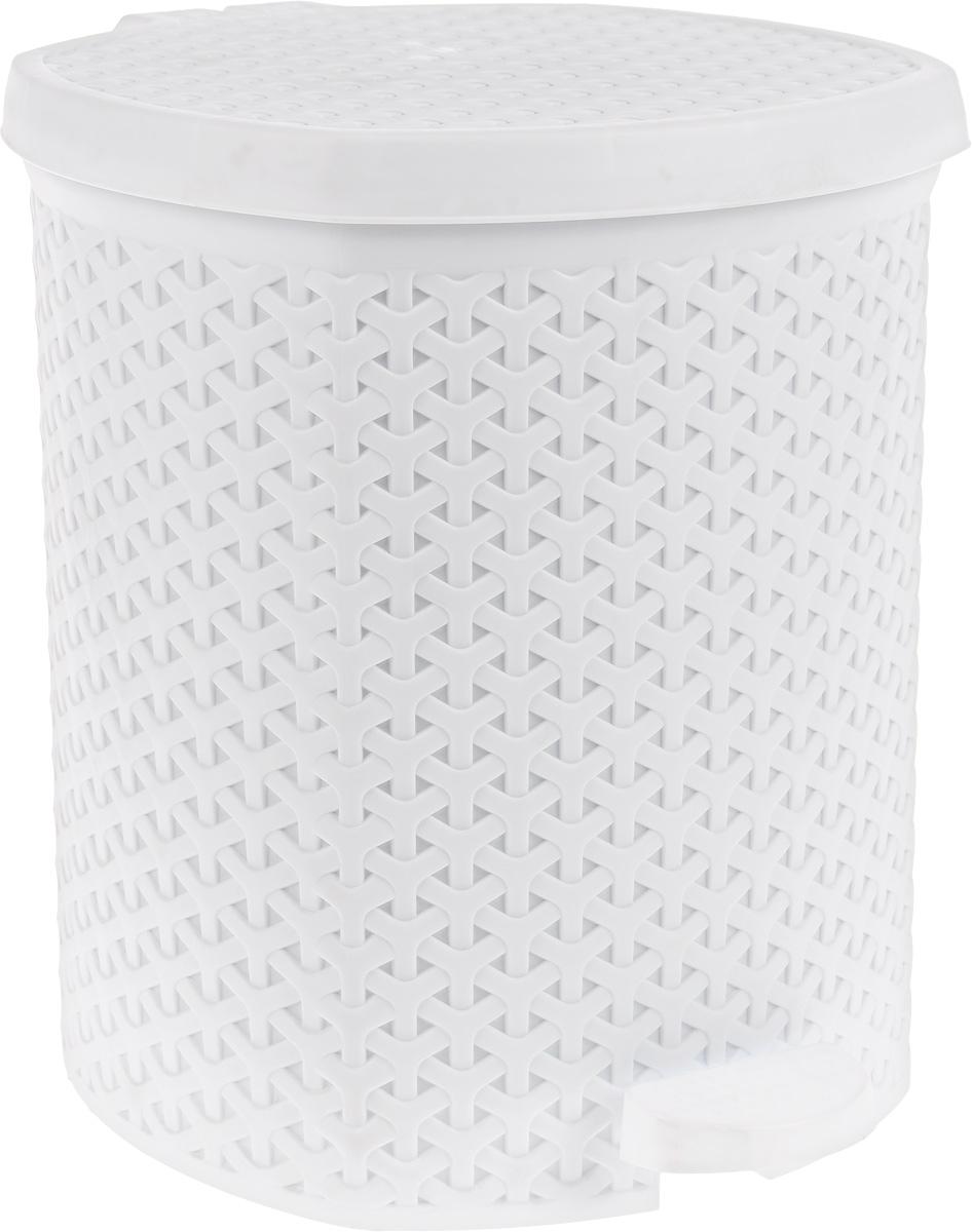 Контейнер для мусора Magnolia Home, с педалью, цвет: белый, 12 л3901Мусорный контейнер Magnolia Home очень удобен в использовании как дома, так и в офисе. Изделие, выполненное из прочного пластика, не боится ударов. Контейнер оснащен педалью, с помощью которой можно открыть крышку. Закрывается крышка практически бесшумно, плотно прилегает, предотвращая распространение запаха. Внутри пластиковая емкость для мусора, которую при необходимости можно достать из контейнера. Интересный дизайн разнообразит интерьер кухни и сделает его более оригинальным.