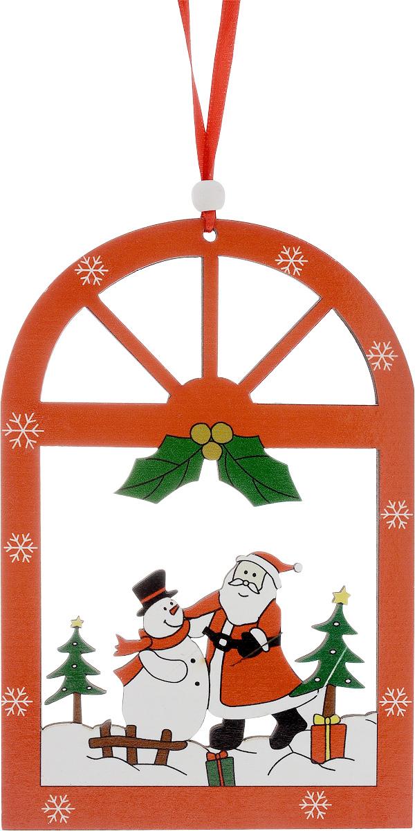 Украшение новогоднее подвесное House & Holder Дед Мороз. Снеговик, высота 18,5 смDP-C04-36117Новогоднее подвесное украшение House & Holder Дед Мороз. Снеговик выполнено из дерева. С помощью специальной петельки украшение можно повесить в любом понравившемся вам месте. Но, конечно, удачнее всего оно будет смотреться на праздничной елке. Елочная игрушка - символ Нового года. Она несет в себе волшебство и красоту праздника. Создайте в своем доме атмосферу веселья и радости, украшая новогоднюю елку нарядными игрушками, которые будут из года в год накапливать теплоту воспоминаний. Размер: 12,5 х 0,3 х 18,5 см.