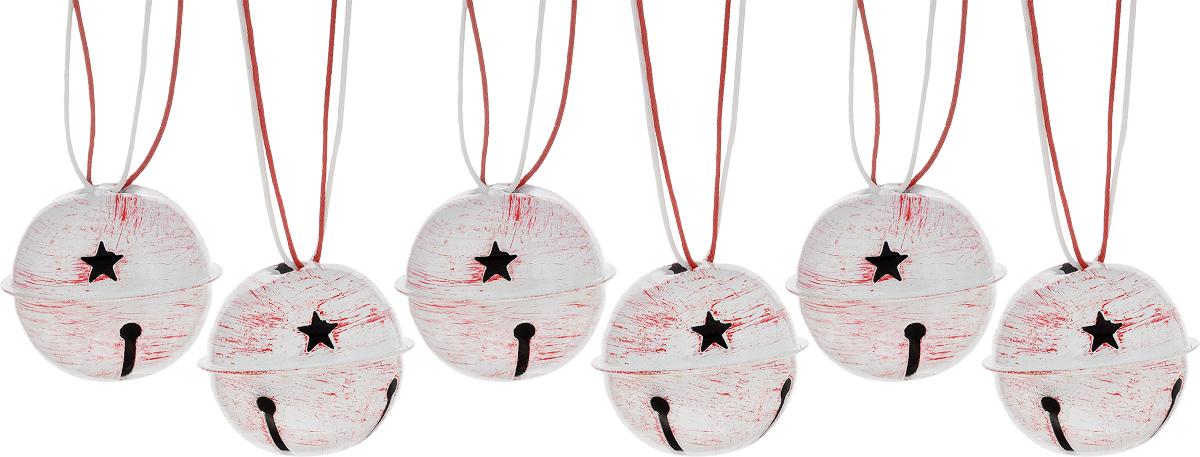 Набор новогодних подвесных украшений House & Holder Бубенчики, цвет: красно-белый, диаметр 4 см, 6 штDP-C04-39505/506Набор подвесных украшений House & Holder Бубенчики прекрасно подойдет для праздничного декора новогодней ели. Набор состоит из 6 металлических украшений с перфорацией. Для удобного размещения на елке для каждого украшения предусмотрено петелька. Елочная игрушка - символ Нового года. Она несет в себе волшебство и красоту праздника. Создайте в своем доме атмосферу веселья и радости, украшая новогоднюю елку нарядными игрушками, которые будут из года в год накапливать теплоту воспоминаний. Откройте для себя удивительный мир сказок и грез. Почувствуйте волшебные минуты ожидания праздника, создайте новогоднее настроение вашим дорогим и близким. Диаметр: 4 см.