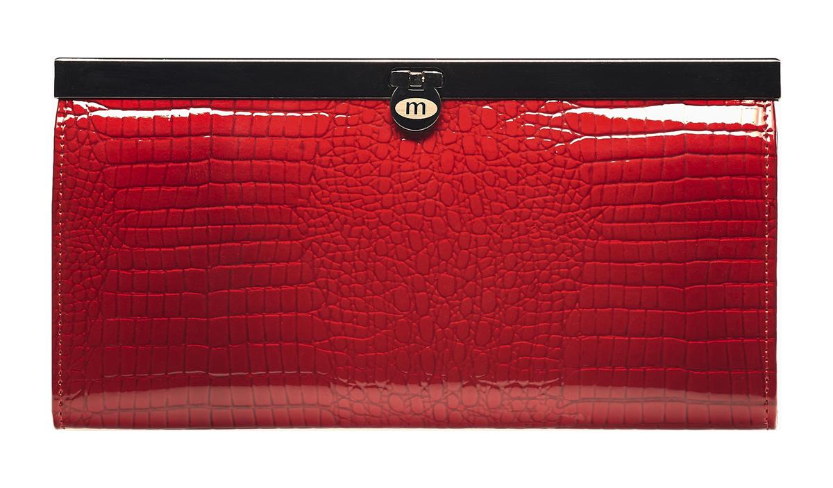 Кошелек женский Malgrado, цвет: красный. 73003-4473003-44# Red Кошелек Бол. MalgradoСтильный кошелек Malgrado выполнен из лаковой натуральной кожи красного цвета с декоративным тиснением под рептилию. Внутри содержит два горизонтальных кармана из кожи для бумаг, четыре кармашка для кредитных карт, два кармашка со вставками из прозрачного пластика, отделение на молнии для мелочи и четыре отделения для купюр. Кошелек упакован в подарочную металлическую коробку с логотипом фирмы. Такой кошелек станет замечательным подарком человеку, ценящему качественные и практичные вещи. Характеристики: Материал: натуральная кожа, текстиль, металл. Размер кошелька: 19 см х 10 см х 2 см. Цвет: красный. Размер упаковки: 23 см х 13 см х 4,5 см. Артикул: 73003-44.