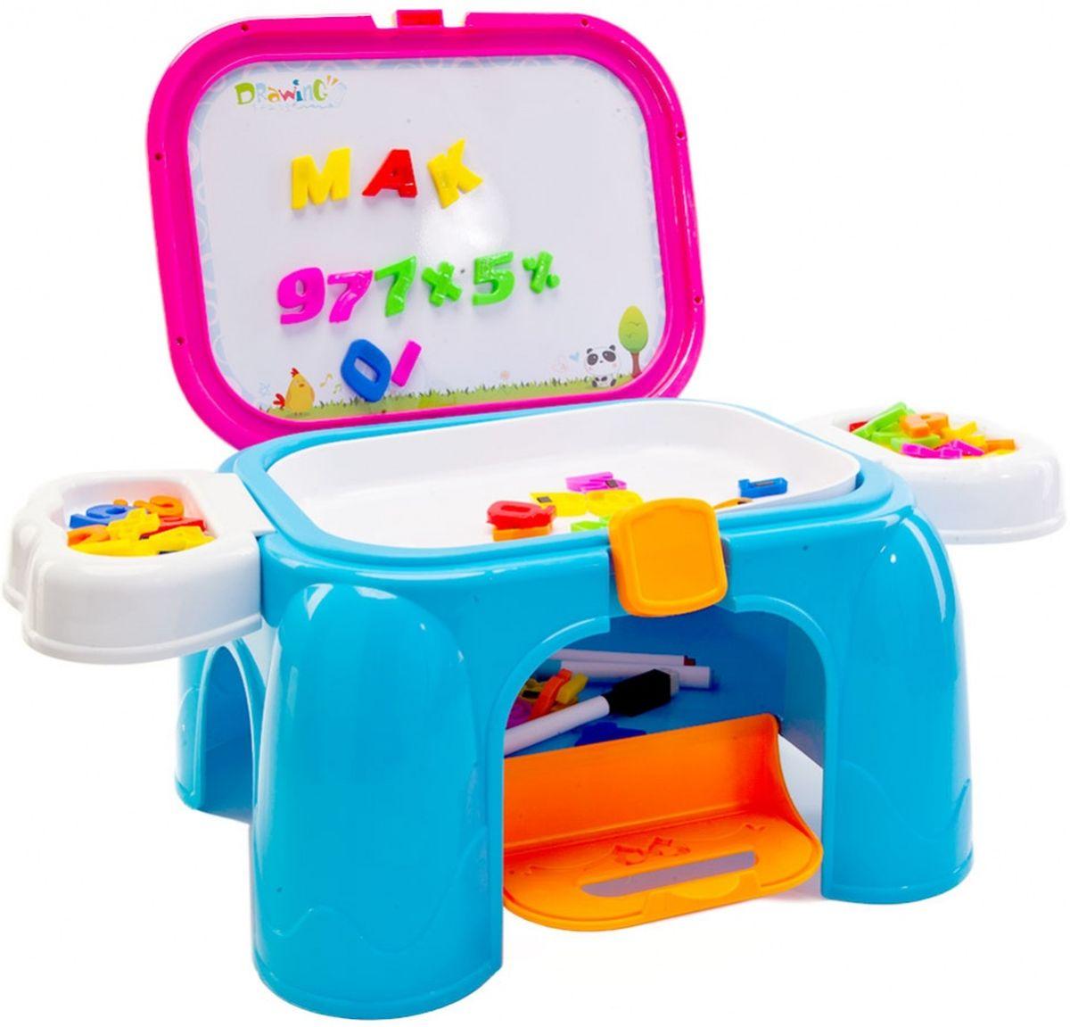 Bradex Обучающий столик-табурет 3 в 1 Скоро в школуDE 0190Стол представляет собой раскладной комплекс обучающих игр для детей дошкольного возраста, а в сложенном виде превращается в табурет или подставку для ног. Цветной английский алфавит, цифры и знаки крепятся на магнитную доску. Рисунки фломастерами из набора легко стираются с доски для рисования мягкими наконечниками.