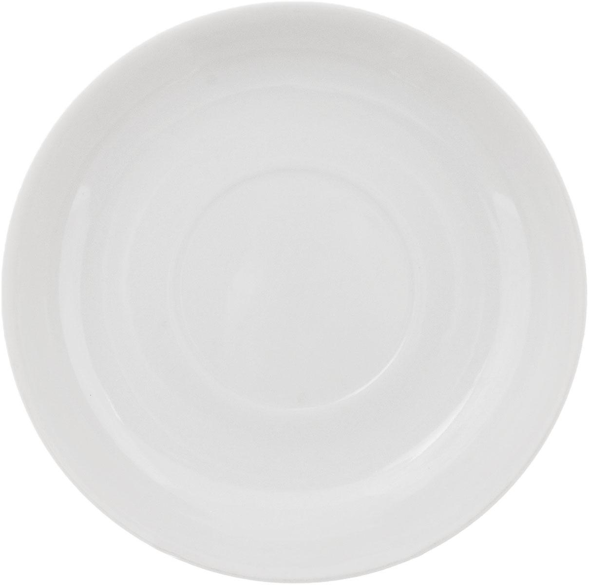 Блюдце Фарфор Вербилок, диаметр 14 см. 74800Б74800ББлюдце Фарфор Вербилок выполнено из высококачественного фарфора. Изделие идеально подойдет для сервировки стола и станет отличным подарком к любому празднику. Диаметр блюдца (по верхнему краю): 14 см. Высота блюдца: 2,5 см.