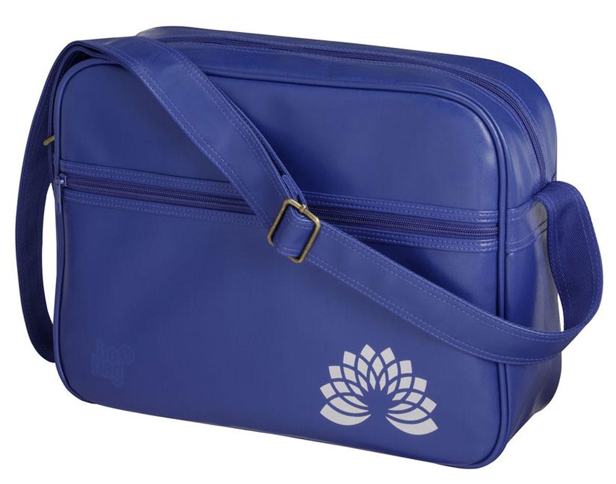 Herlitz Сумка школьная Be Bag Sport цвет синий11359510Прочная и вместительная школьная сумка Herlitz Be Bag. Sport смотрится элегантно в любой ситуации. Сумка имеет одно отделение на молнии. Внутри отделения находятся два открытых кармана. Спереди сумки расположен карман на молнии. Широкая лямка регулируется по длине. Такую сумку можно использовать для повседневных прогулок, учебы, отдыха и спорта, а также как элемент вашего имиджа. Лаконичный и сдержанный дизайн подчеркнет индивидуальность и порадует своей функциональностью.