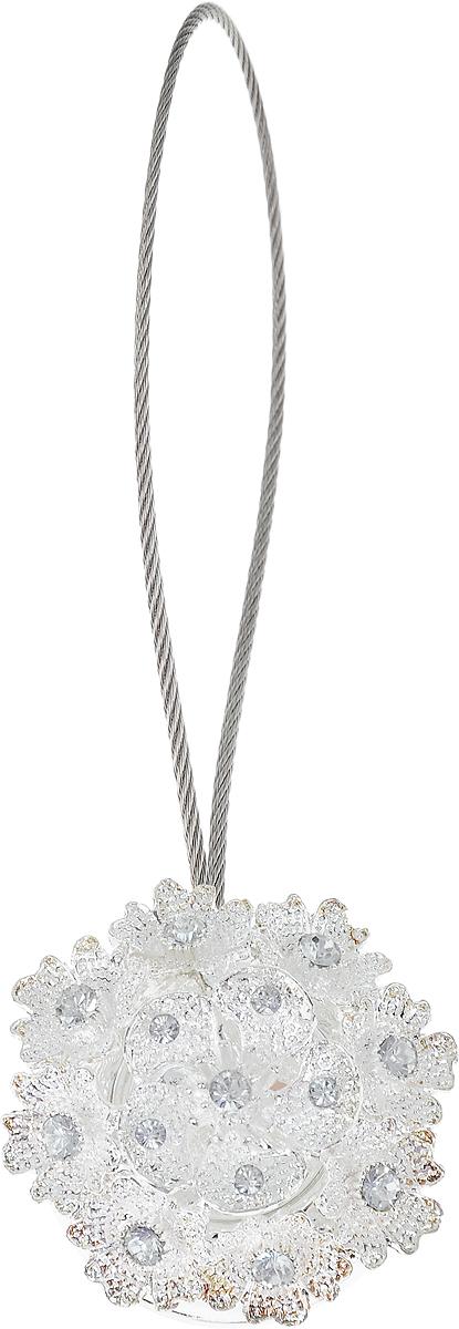 Подхват для штор TexRepublic Ajur. Tross, на магнитах, цвет: серебряный. 7896678966Изящный подхват для штор TexRepublic Ajur. Tross, выполненный из пластика и металла, можно использовать как держатель для штор или для формирования декоративных складок на ткани. С его помощью можно зафиксировать шторы или скрепить их, придать им требуемое положение, сделать симметричные складки. Благодаря магнитам подхват легко надевается и снимается. Подхват для штор является универсальным изделием, которое превосходно подойдет для любых видов штор. Подхваты придадут шторам восхитительный, стильный внешний вид и добавят уют в интерьер помещения. Длина подхвата: 25 см. Диаметр: 4 см.