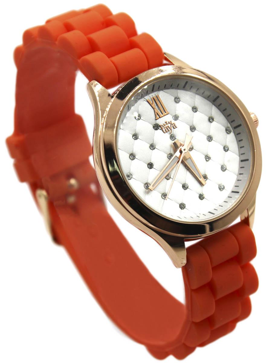 Наручные часы Taya, цвет: золотистый, оранжевый. T-W-0203-WATCH-GL.ORANGET-W-0203-WATCH-GL.ORANGEМодные женские часы с золотым циферблатом. Стильный циферблат декорирован решетчатым стеганым принтом, по углам которого сверкающие стразы. Часы наручные электронно-механические кварцевые, аксессуарные, с механической индикацией. Часовой механизм MORIOKA TOKEI inc., Сингапур с питанием от сменного кварцевого элемента питания типа LR626.