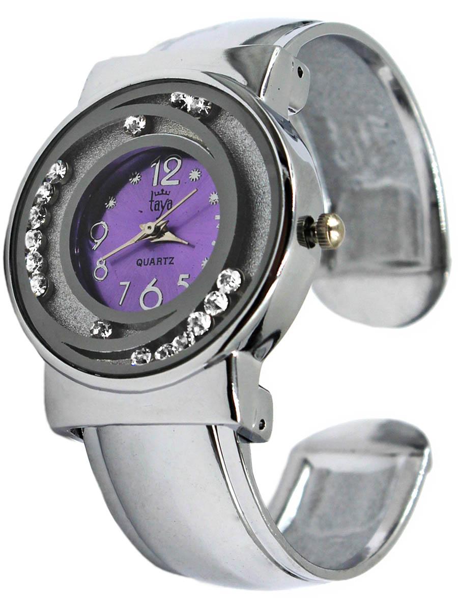 Наручные часы Taya, цвет: серебристый, лавандовый. T-W-0414-WATCH-SL.LAVENDERT-W-0414-WATCH-SL.LAVENDERРаздвижной браслет с пружинным механизмом позволяет одеть часы на любую руку. Вокруг циферблата располагаются стразы, которые могут свободно перемещаться по ложбинкам. Часы наручные электронно-механические кварцевые, аксессуарные, с механической индикацией. Часовой механизм MORIOKA TOKEI inc., Сингапур с питанием от сменного кварцевого элемента питания типа LR626.