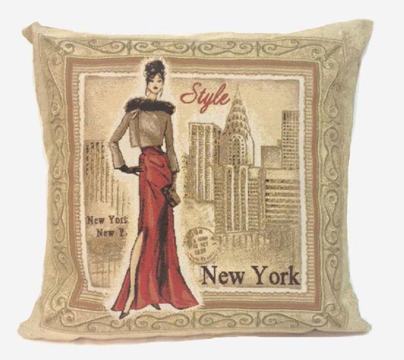 Подушка декоративная Рапира Багет. Нью-Йорк, 45 х 45 см4474Декоративная подушка с наполнителем холлофайбер со съёмным чехлом на молнии, выполненным из жаккарда, - это яркий штрих в интерьере комнаты. Лицевая сторона - гобелен (жаккардовое ткачество), оборотная сторона - однотонная ткань типа плюш.