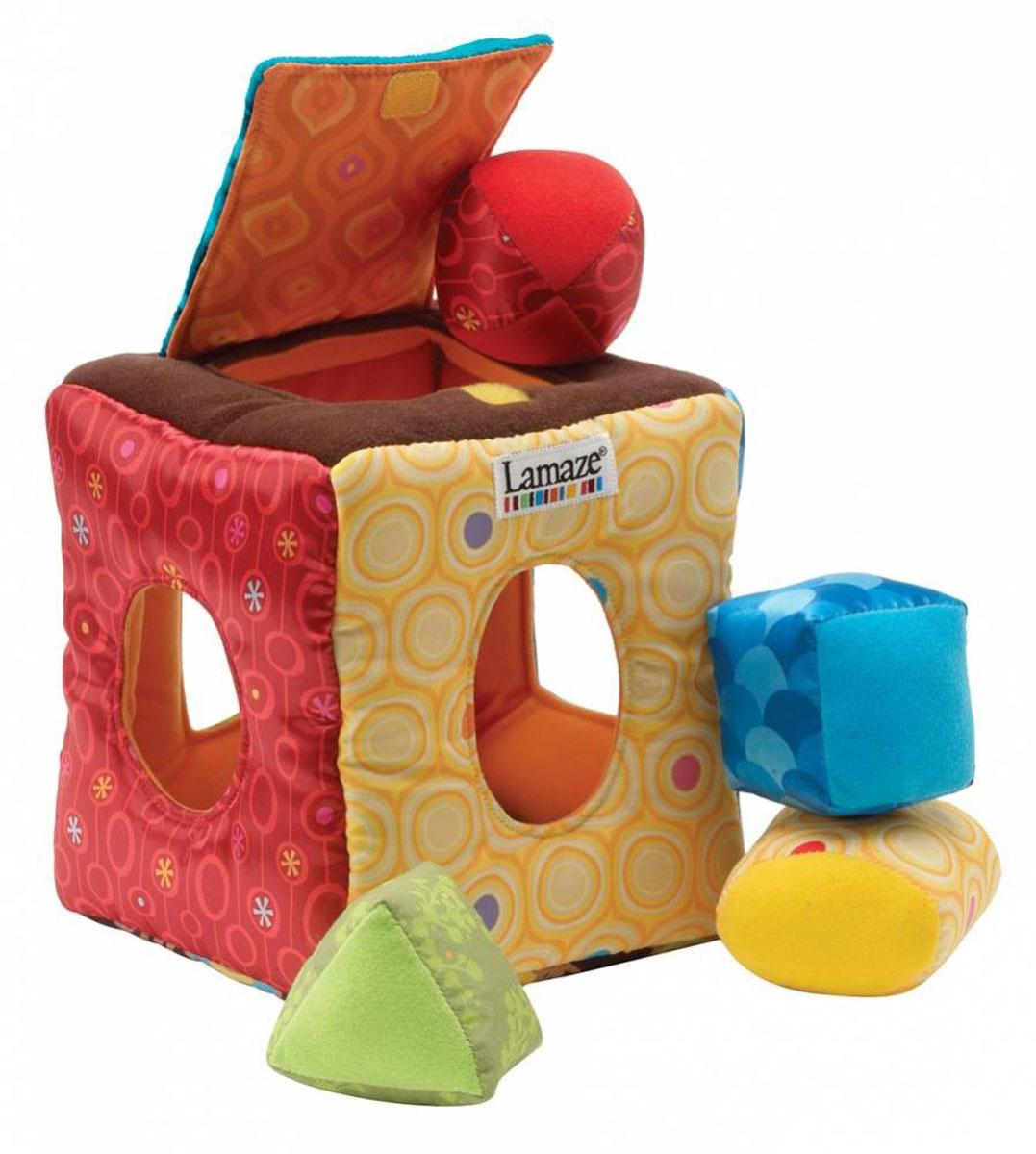 Tomy СортерLC27310AСортер Tomy - это классическая игрушка для развития самых маленьких детей. Каждая из четырех сторон выполнена в различной цветовой гамме. В стенках сортера имеются отверстия разных форм, а сверху - крышка на липучке. В комплект входят 4 мягкие фигурки - квадрат, треугольник, круг и овал. Задача малыша - найти для каждой фигурки свое отверстие. Когда все фигурки собраны, их можно легко вытащить наружу и играть снова! Сортер познакомит малыша с новыми формами и поможет в развитии логического мышления.