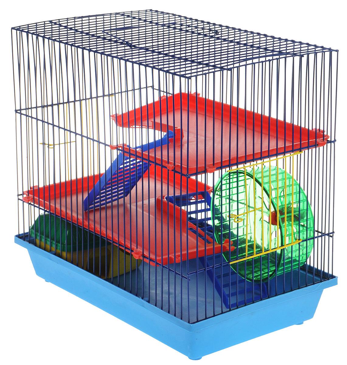 Клетка для грызунов ЗооМарк, 3-этажная, цвет: голубой поддон, синяя решетка, красные этажи, 36 х 22,5 х 34 см. 135135ССКлетка ЗооМарк, выполненная из полипропилена и металла, подходит для мелких грызунов. Изделие трехэтажное, оборудовано колесом для подвижных игр и пластиковым домиком. Клетка имеет яркий поддон, удобна в использовании и легко чистится. Сверху имеется ручка для переноски, а сбоку удобная дверца. Такая клетка станет уединенным личным пространством и уютным домиком для маленького грызуна.