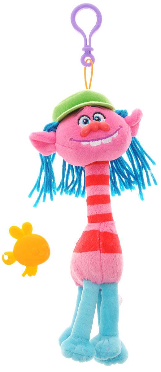 Zuru Брелок Тролль Cooper6202_розовый, красныйФигурка-брелок тролля Cooper из детского мультфильма Тролли непременно привлечет внимание вашего малыша. Cooper - это высокий тролль в кепке с ярко-голубыми волосами и милой улыбкой. Игрушка выполнена в виде фигурки-брелока, которой можно украсить сумку или портфель. Фигурка с практичным пластиковым карабином на прочном шнурке. В наборе с фигуркой имеется расческа, с помощью которой можно ухаживать за роскошной прической тролля.