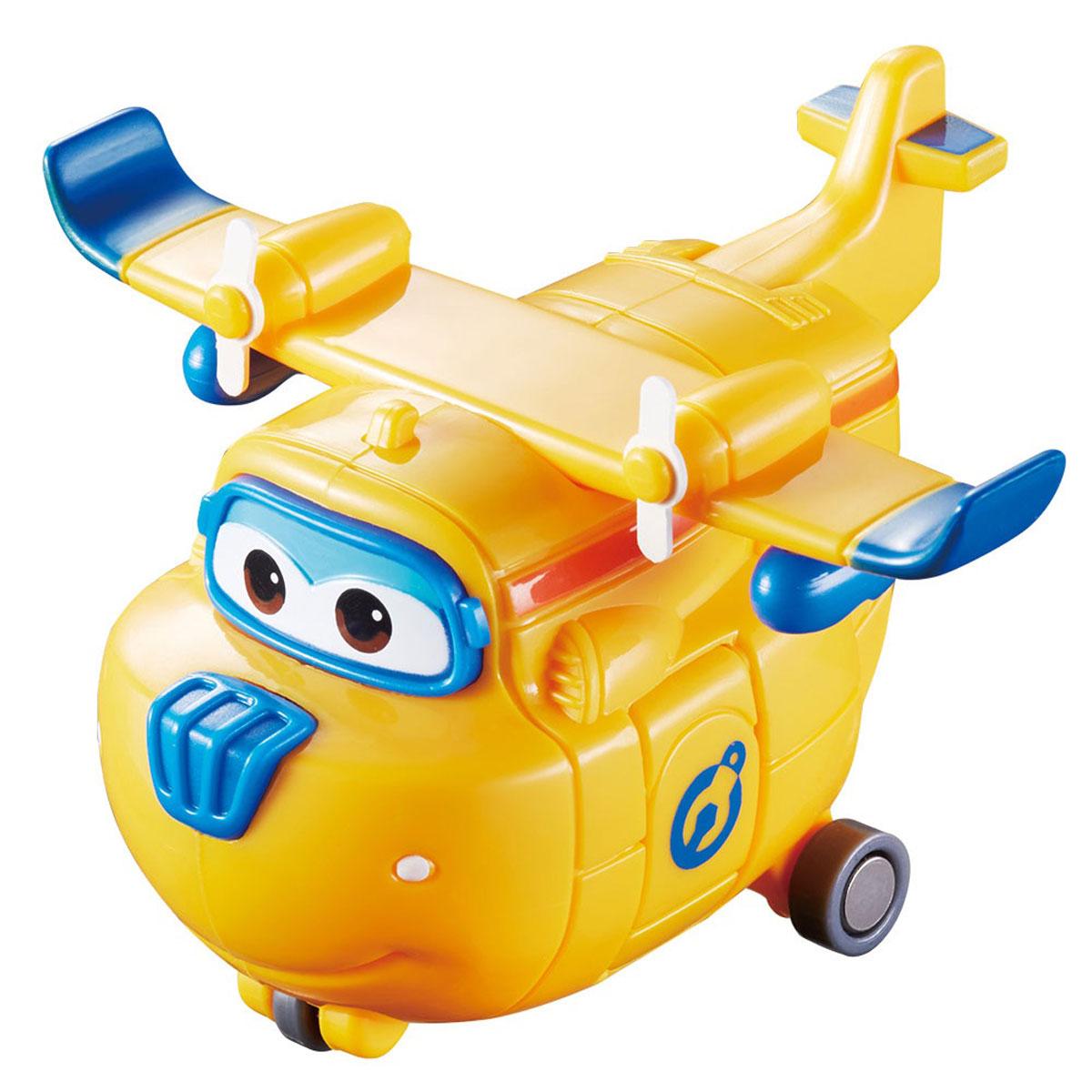Super Wings Самолет на радиоуправлении ДонниYW710720Самолет на радиоуправлении Super Wings Донни - герой мультфильма Супер Крылья. Самолетик Донни - мастер на все руки, он сможет отремонтировать все, что сломалось. Забавные самолетики Super Wings работают в авиапочте и развозят посылки детишкам по всей планете. Они с большим удовольствием берут на себя заботы людей и выполняют ответственные задания. Детям такие игрушки дарят радость и веселье, развивают фантазию и помогают найти друзей. Спасательный самолет Донни - верный и надежный друг, но очень наивный и доверчивый, из-за этого у Супер Крыльев иногда возникают проблемы. Самолет-спасатель приводится в движение при помощи пульта дистанционного управления с удобными крупными кнопками (кнопка вперед и разворот на 360 градусов). Пульт управления легок и прост в использовании и предназначен для маленьких ручек. Имеются световые и звуковые эффекты. Игрушка развивает логику, воображение и мелкую моторику рук ребенка. Герои мультфильма являются примером для подражания, так...