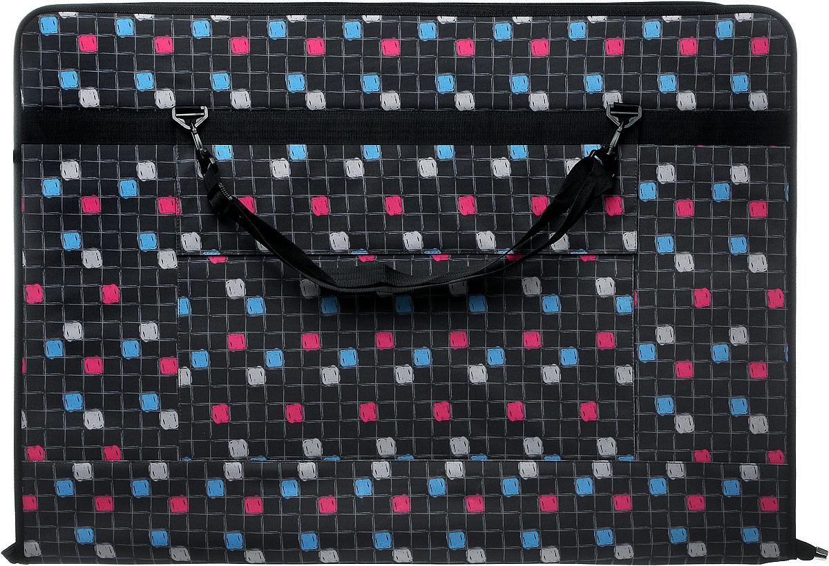 Папка художника Аntan, цвет: черный, серый, голубой, розовый. 6-1026-102Папка художника Аntan выполнена из высококачественного полиэстера и оформлена оригинальным принтом. На лицевой стороне расположен вместительный накладной карман, закрывающийся клапаном на застежку-липучку. Папка оснащена удобными ручками и съемным плечевым ремнем, длина которого регулируется с помощью пряжки. Внутри расположено главное отделение, которое содержит четыре эластичные резинки на липучках. Изделие закрывается на застежку-молнию.