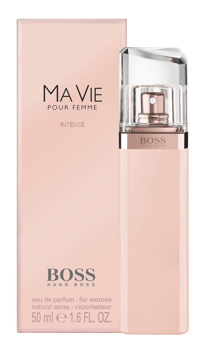 Hugo Boss Ma Vie Intense Парфюмерная вода женская 50 мл0730870171134Весной 2016 года Hugo Boss выпустил женскую композицию Boss Intense Ma Vie pour Femme. Изысканный цветочный аромат является продолжением оригинального Boss Ma Vie, изданного в 2014, но более насыщенной, яркой, соблазнительной версией. Главная роль в сексуальном и притягательном букете отведена экзотическому благоуханию кактусового цвета. Его неожиданные, пикантные, сексуальные и свежие аккорды великолепно сочетаются с чувственной нежностью розового бутона и глубокой, интенсивной кедровой базой, создавая виртуозный баланс женственности и силы, независимости и хрупкости, простоты и роскоши. Элегантный и утонченный Boss Intense Ma Vie– прекрасный выбор для солнечного лета или теплой весны. Композиция: цветы кактуса, кедр, бутон розы.