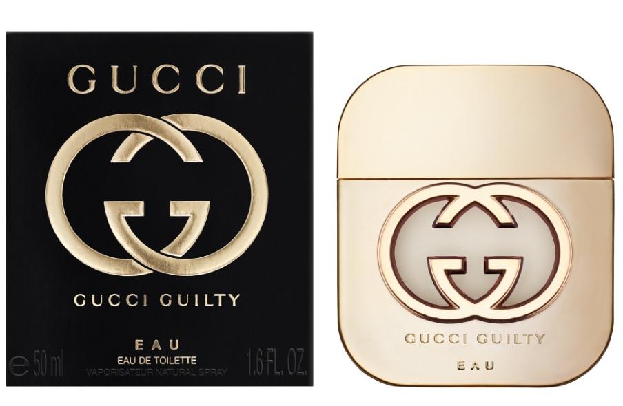 Gucci Guilty Eau Woman Туалетная вода 50 мл0730870174586В конце 2015 года Gucci выпустил новый парфюмерный дуэт Guilty. Женский Guilty Eau – это фланкер оригинального Gucci Guilty 2010 года, версия более прохладная, легкая и игристая. Фруктовая цветочная композиция с легкими влажными акцентами построена вокруг насыщенных аккордов душистой земляники и экзотического личи. Их сочные и сладкие мотивы красиво обрамлены прохладой акватических переливов, создавая сексуальные и кокетливые переходы, завораживающие глубиной и слаженностью. На фоне фруктовой феерии проступает чувственная лилия, виртуозно обрамленная шелковистыми мускусными струями. Романтичный, женственный и игривый Gucci Guilty Eau – выбор обаятельных и элегантных. Композиция: личи, акватические аккорды, лилия, земляника, мускус.