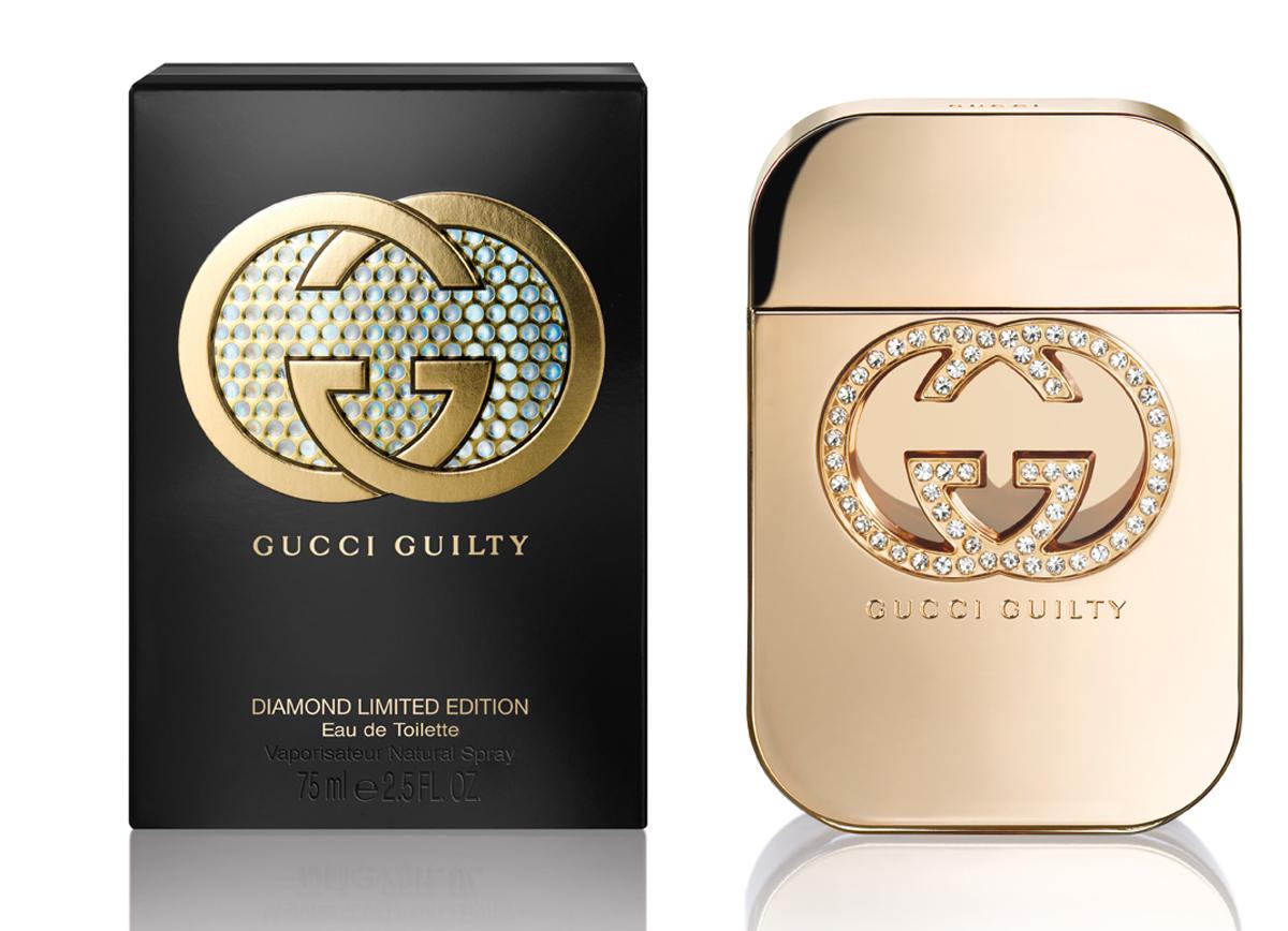 Gucci Guilty Diamond Туалетная вода женская 75 мл0737052884851Gucci Guilty Diamond - соблазнительный и чувственный восточно-цветочный женский парфюм, представленный известным итальянским модным Gucci. Ароматическая композиция представляет собой фланкер аромата Gucci Guilty 2010 года с более ярким, праздничным звучанием и выпущена в ограниченном количестве в конце 2014 года в преддверии зимних праздников. Верхний аккорд звучит нежной, игривой пряностью розового перца. Сердце композиции распускается волшебным букетом ароматических нот сирени в обрамлении горьковато–пряных оттенков кардамона. Завершает композицию теплая пряная волна пачули с вплетенными в нее хрустальными нотами амбры. Парфюм выпускается в оригинальном золотистом флаконе, украшенном логотипом бренда с вкраплением в него кристаллов Сваровски, символизирующих бриллианты, гламур и роскошь.
