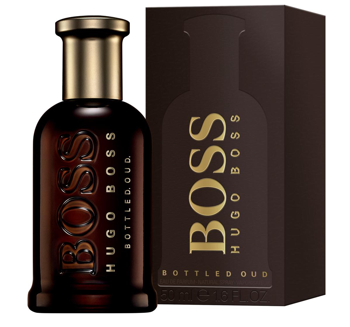 Hugo Boss Bottled Oud Парфюмерная вода мужская 50 мл0737052933221Boss Bottled Oud – глубокий, густой, обволакивающий и мистический по своему звучанию мужской восточно-древесный парфюм с бархатистыми пряными акцентами, выпущенный в 2015 году немецким модным брендом Hugo Boss. Аромат является своеобразным подарком всем любителем аромата уда. Считающийся священным на Востоке, уд последнее время начал свое победное шествие и в западной парфюмерии. Однако очень густой, дымно-сладкий аромат, столь популярный на Востоке непривычен для европейцев. Поэтому парфюмерам приходится облегчать его с помощью других ароматических ингредиентов, заставляя звучать более легко и непринужденно, как это принято в европейских парфюмерных традициях. Таким вот ароматом, стоящим одновременно на восточных и европейских традициях, и стал новый парфюм от Хьюго Босс. В нем сладковато-дымный, пряный уд буквально растворяется в бархатистых нотах корицы и горьковато-пряном шафране, будучи дополненным тонким древесно-сливочным аромата светлой древесины.
