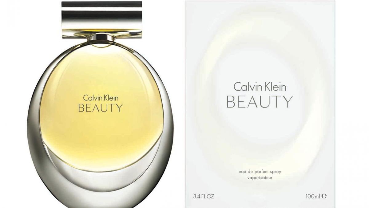 Calvin Klein Beauty Парфюмерная вода женская 100 мл65809980100Аромат, источающий женственность и изысканность, он создает образ женщины, которая красива внутренней красотой и от которой исходит внутреннее сияние. Новая интерпретация лилии составляет сердце и душу аромата. Этот изысканный цветок является воплощением