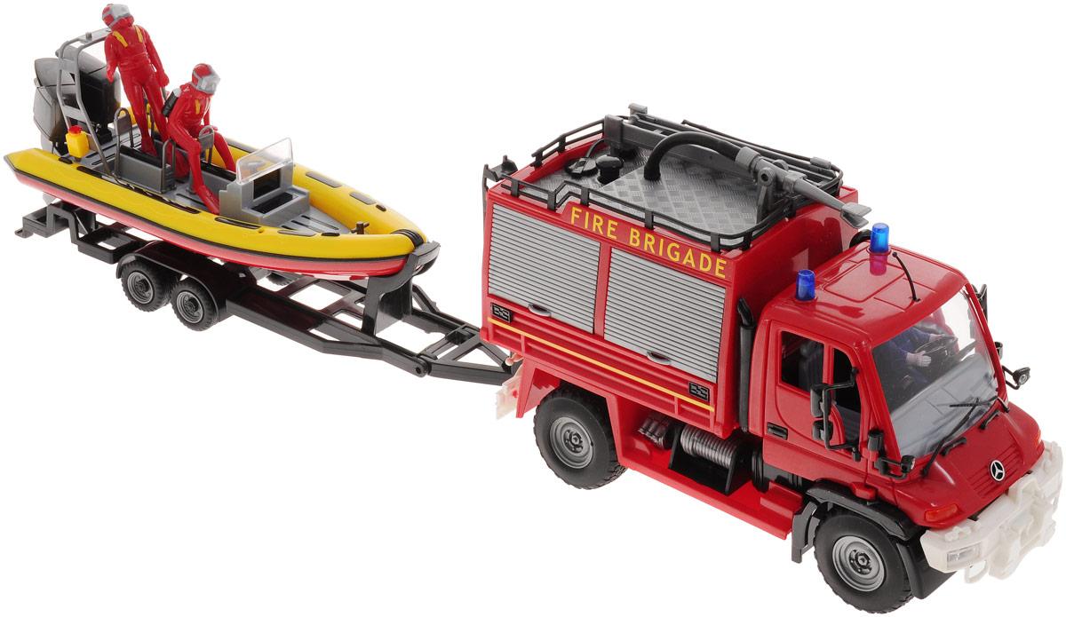 Dickie Toys Игровой набор Служба спасения3314867Игровой набор Dickie Toys Служба спасения - прекрасный набор для того, чтобы ребенок почувствовал себя смелым героем. Детки начинают интересоваться сюжетно-ролевыми играми с трех лет. Эти игры необходимы для полного развития малыша. В набор входит полицейский грузовик с водителем и катер, а также фигурки двух водолазов. У грузовика открываются створки ящиков, также он оснащен функцией разбрызгивания воды. В спасательном катере находятся два водолаза, всегда готовых прийти на помощь. Катер выполнен в цвет грузовика и прикрепляется к машине. Ваш ребенок сможет почувствовать себя спасателем и провести различные спасательные операции в игровой форме.