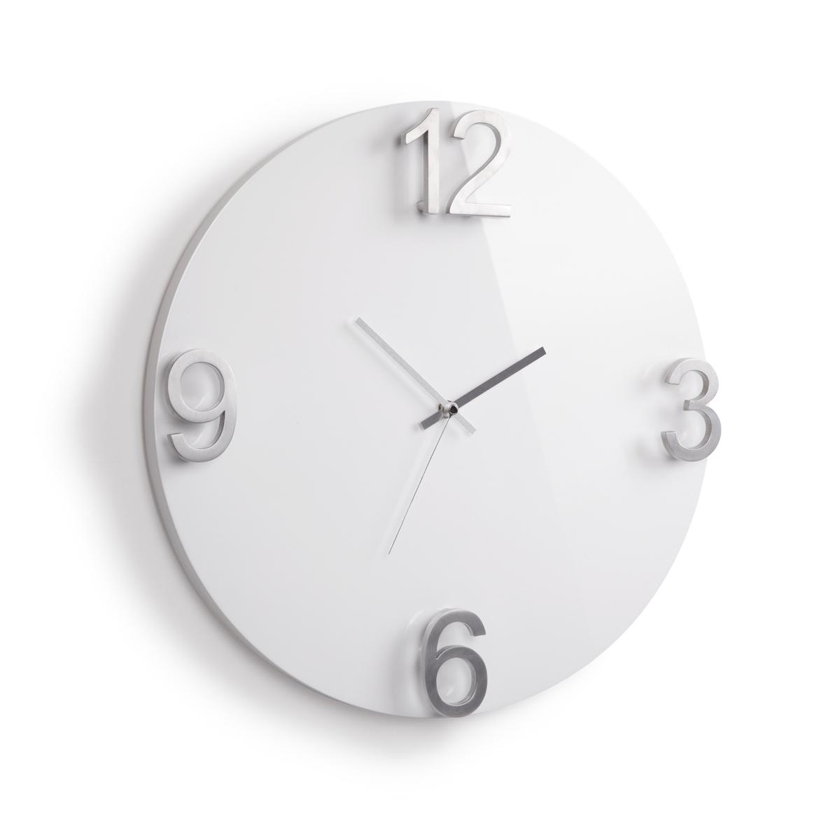 Часы настенные Umbra Elapse, цвет: белый118420-326Оригинальные настенные часы, выполненные в минималистском стиле. Основа из массива дерева с глянцевым покрытием и металлическими цифрами выглядит дорого и изысканно. Механизм работает при помощи 1 батарейки АА (батарейка в комплект не входит). Дизайн: Alan Wisniewski
