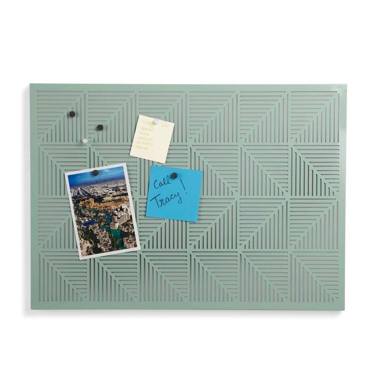 Украшение на стену Umbra Trigon, цвет: мятный470790-473Строгие геометрические формы не ограничивают воображение, а наоборот, вдохновляют на творчество и создание неповторимых интерьеров. Металлические узоры на этой доске не только складываются в интересную картинку, но и удобны для использования с магнитами и кнопками. Повесьте ее горизонтально или вертикально и крепите фотографии, записки, рисунки и напоминалки. В наборе 12 кнопок и 12 магнитов. Отличный декор для офиса и кабинета.
