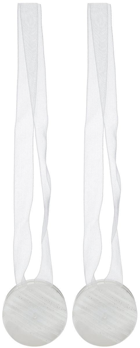 Подхват для штор TexRepublic Ajur. Lenta, на магнитах, цвет: белый, диаметр 4 см, 2 шт. 7900879008Изящный подхват для штор TexRepublic Ajur. Lenta, выполненный из пластика и текстиля, можно использовать как держатель для штор или для формирования декоративных складок на ткани. С его помощью можно зафиксировать шторы или скрепить их, придать им требуемое положение, сделать симметричные складки. Благодаря магнитам подхват легко надевается и снимается. Подхват для штор является универсальным изделием, которое превосходно подойдет для любых видов штор. Подхваты придадут шторам восхитительный, стильный внешний вид и добавят уют в интерьер помещения. Длина подхвата: 36 см. Диаметр: 4 см. Количество: 2 шт.