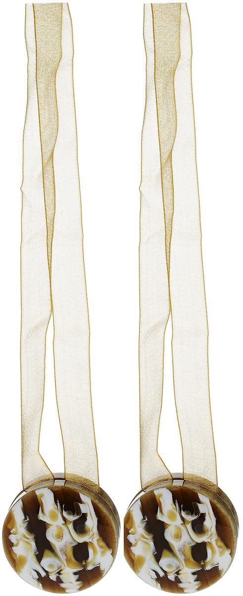 Подхват для штор TexRepublic Ajur. Lenta, на магнитах, цвет: коричневый, диаметр 4 см, 2 шт. 7901879018Изящный подхват для штор TexRepublic Ajur. Lenta, выполненный из пластика и текстиля, можно использовать как держатель для штор или для формирования декоративных складок на ткани. С его помощью можно зафиксировать шторы или скрепить их, придать им требуемое положение, сделать симметричные складки. Благодаря магнитам подхват легко надевается и снимается. Подхват для штор является универсальным изделием, которое превосходно подойдет для любых видов штор. Подхваты придадут шторам восхитительный, стильный внешний вид и добавят уют в интерьер помещения. Длина подхвата: 36 см. Диаметр: 4 см. Количество: 2 шт.
