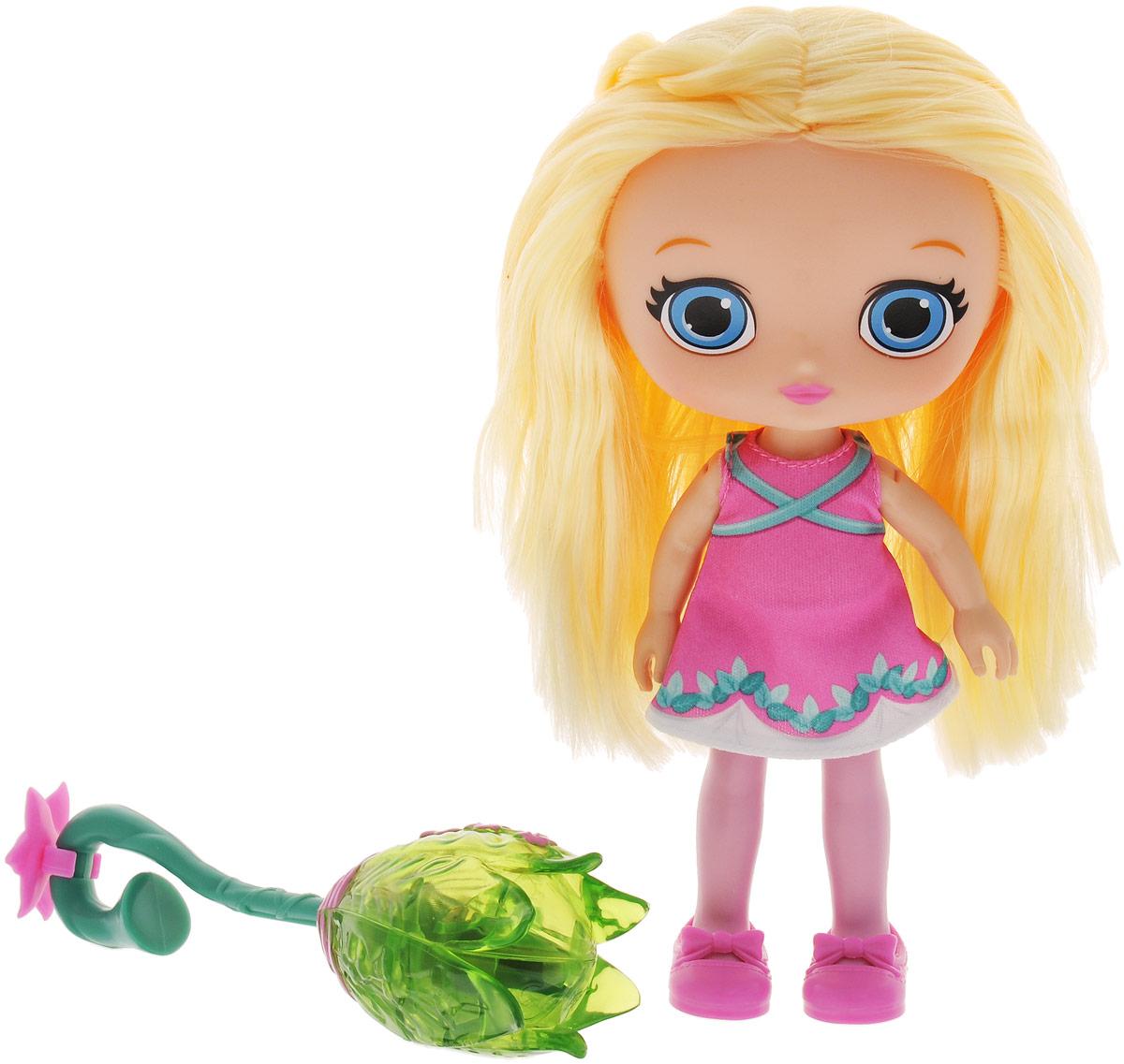 Little Charmers Кукла Posie с метлой71714_20071272Очаровательная кукла Posie станет лучшей подружкой вашей малышки. Куколка одета в короткое розовое платье. На ногах куклы симпатичные розовые туфельки. У куклы длинные светлые волосы, которые можно расчесывать и делать из них различные прически. В комплект входит метла, на которой летает юная ведьмочка. У метлы красивая и необычная форма - она слегка изогнута и украшена розовыми цветком. Если посадить куклу на метлу и играть, как будто она летит, наклоняя ее в разные стороны, вы увидите красивые световые и звуковые эффекты. Выразительный внешний вид и аккуратное исполнение куклы делает ее идеальным подарком для любой девочки. Порадуйте свою малышку таким великолепным подарком! Поузи (Posie) - героиня мультсериала Маленькие Волшебницы. Она очень вежливая, миролюбивая и большая оптимистка. Поузи всегда доверяет своим предчувствиям, которые ее никогда не подводят. Она всегда старается выглядеть красиво и аккуратно. Поузи делает все возможное, чтобы всегда...