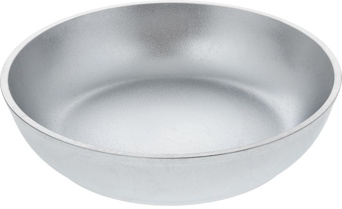 Сковорода Kukmara, без ручки. Диаметр 24 смС240Сковорода Kukmara изготовлена из литого алюминия. Она идеально подходит для жарки мяса, запекания, тушения овощей, еда в такой посуде не пригорает, а томится как в русской печи. Толстостенная сковорода обеспечивает быстрое и равномерное распределение тепла по всей поверхности. Сковорода экологически безопасная и не подвергается деформации. Такая сковорода понравится как любителю, так и профессионалу. Сковорода подходит для газовых и электрических плит, но кроме индукционных. Диаметр сковороды по верхнему краю: 24 см. Высота стенки: 5,6 см.