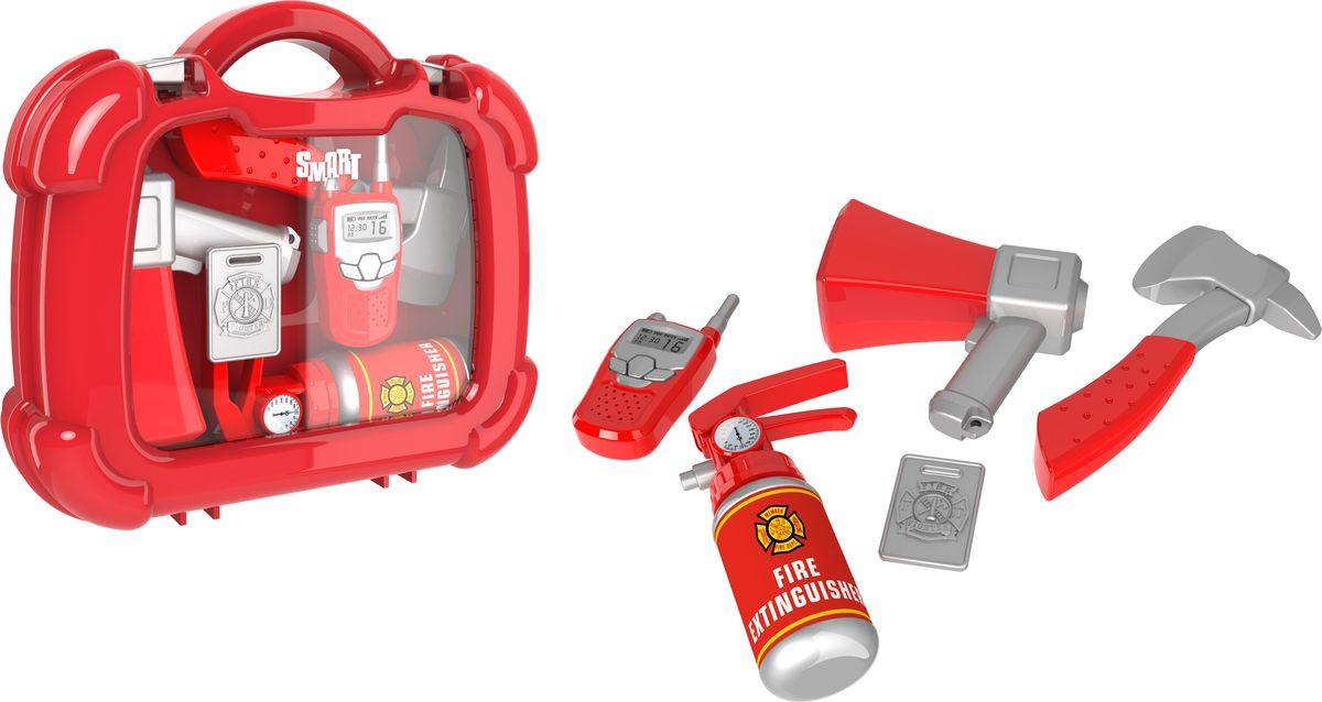 HTI Игровой набор Пожарный в кейсе1416241.00Набор пожарного в чемоданчике Smart. В комплект входят: рупор, топорик, огнетушитель, жетон и рация. Для детей от 3-х лет.