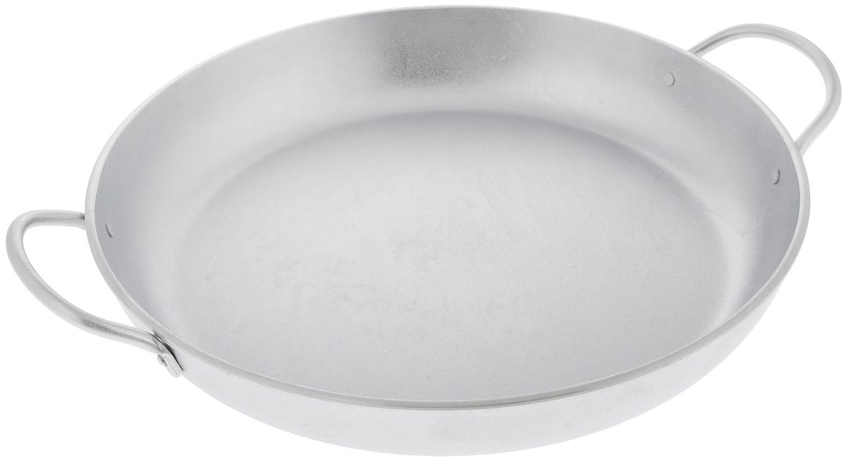 Сковорода Kukmara, с ручками. Диаметр 34 смС341Сковорода Kukmara изготовлена из литого алюминия. Она идеально подходит для жарки мяса, запекания, тушения овощей, еда в такой посуде не пригорает, а томится как в русской печи. Толстостенная сковорода обеспечивает быстрое и равномерное распределение тепла по всей поверхности. Сковорода экологически безопасная и не подвергается деформации. Такая сковорода понравится как любителю, так и профессионалу. Сковорода подходит для газовых и электрических плит. Диаметр сковороды по верхнему краю: 34 см. Высота стенки: 5,5 см.