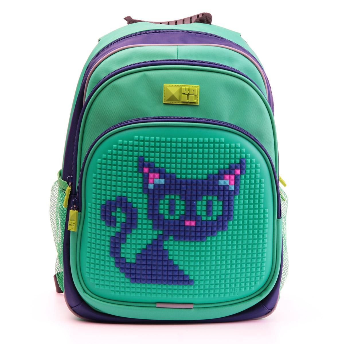 4ALL Рюкзак для мальчиков Kids цвет темно-синий зеленыйRT63-03NРюкзак бренда 4ALL - это одновременно яркий, функциональный школьный аксессуар и площадка для самовыражения. Заботясь о Вашем комфорте, удобстве и творческом развитии Ваших детей, мы создали уникальные рюкзаки KIDS с силиконовой панелью и разноцветные мозаичные БИТЫ с помощью которых на рюкзаке можно создавать графические шедевры хоть каждый день! Особенности: AIR COMFORT system: - Система свободной циркуляции воздуха между задней стенкой рюкзака и спиной ребенка. ERGO system: - Разработанная нами система ERGO служит равномерному распределению нагрузки на спину ребенка. Она способна сделать рюкзак, наполненный учебниками, легким. ERGO служит сохранению правильной осанки и заботится о здоровье позвоночника! Ортопедическая спина: - Важное свойство наших рюкзаков - ортопедическая спина! Способна как корсет поддерживать позвоночник, правильно распределяя нагрузку. А также: - Гипоаллергенный силикон; - Водоотталкивающие материалы; - Устойчивость всех материалов к температурам воздуха...