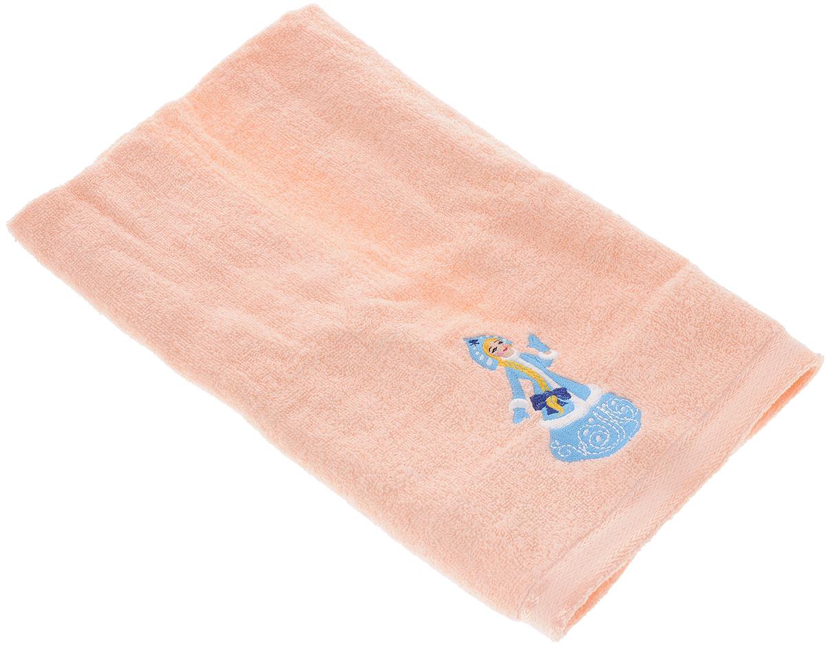Полотенце Primavelle Орион. Снегурочка, 50 х 90 смCt4405090-СУМахровое полотенце Primavelle Орион. Снегурочка изготовлено из натурального хлопка и украшено тематической вышивкой. Изделие необычайно мягкое и воздушное, оно прекрасно впитывает влагу, быстро сохнет и не теряет своих свойств после многократных стирок. Такое полотенце подарит массу положительных эмоций и приятных ощущений, а также станет недорогим и оригинальным подарком.