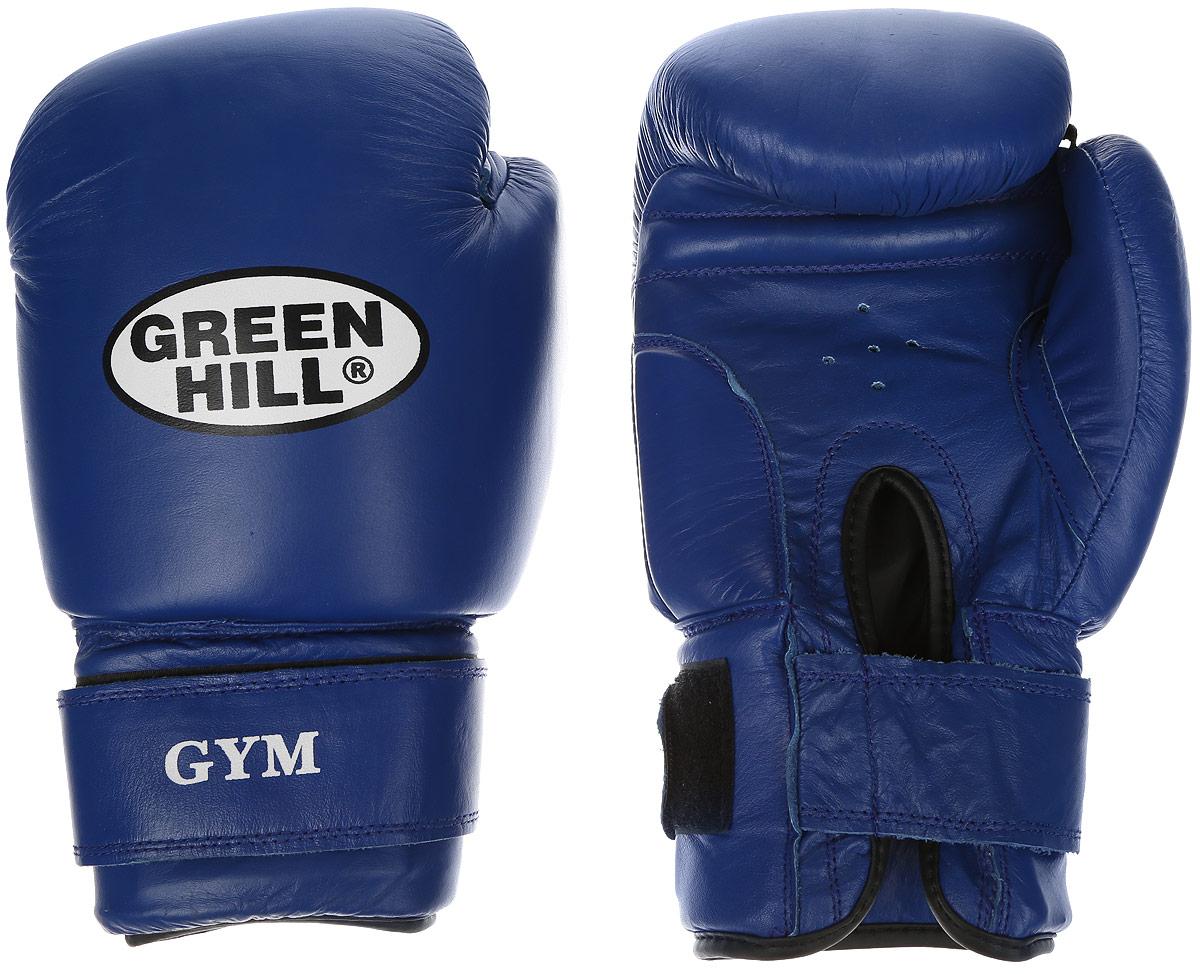 Перчатки боксерские Green Hill Gym, цвет: синий, белый. Вес 18 унцийBGG-2018Боксерские перчатки Green Hill Gym подходят для всех видов единоборств где применяют перчатки. Подойдет как для бокса, так и для кикбоксинга. Новички и профессионалы высоко ценят эту модель за универсальность. Верхняя часть перчатки выполнена из натуральной кожи, наполнитель - пенополиуретан. Перфорированная поверхность в области ладони позволяет создать максимально комфортный терморежим во время занятий. Закрепляется на руке при помощи липучки.