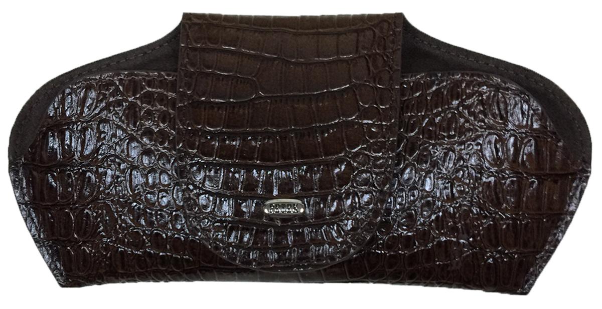 Футляр для очков Petek 1855, цвет: коричневый. 632.067.02632.067.02 D.BrownФутляр для очков (очечник) из натуральной мягкой кожи. Внутренняя поверхность сделана из бархатистой ткани.