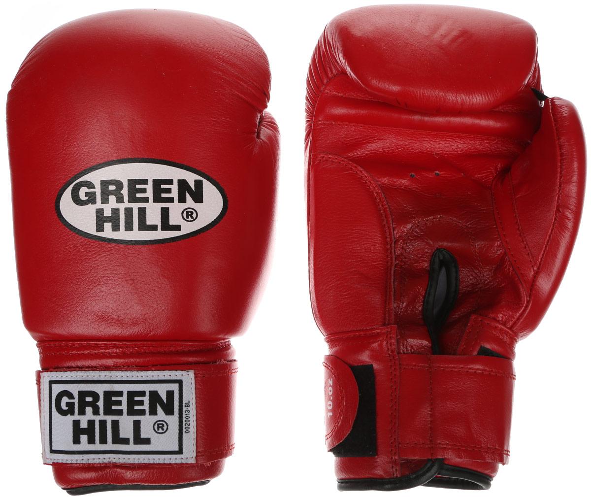Перчатки боксерские Green Hill Tiger, цвет: красный, белый. Вес 12 унций. BGT-2010сBGT-2010сБоевые боксерские перчатки Green Hill Tiger применяются как для соревнований, так и для тренировок. Верх выполнен из натуральной кожи, вкладыш - предварительно сформированный пенополиуретан. Манжет на липучке способствует быстрому и удобному надеванию перчаток, плотно фиксирует перчатки на руке. Отверстия в области ладони позволяют создать максимально комфортный терморежим во время занятий. В перчатках применяется технология антинокаут.