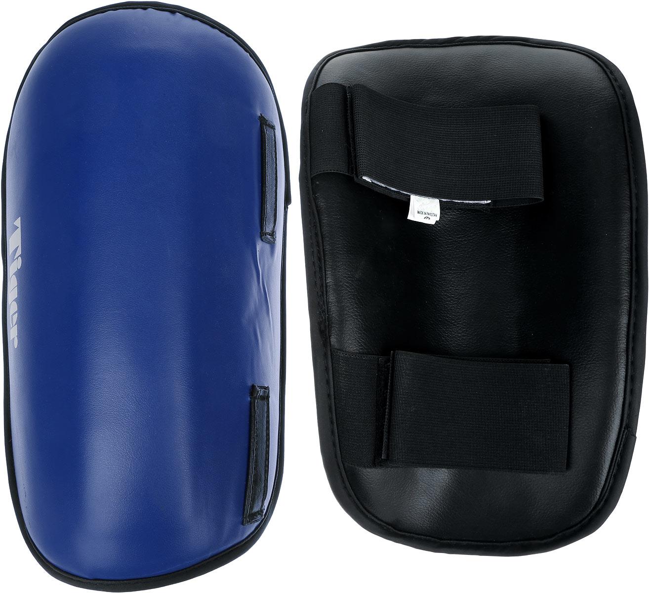 Защита голени Green Hill Tiger, цвет: синий, белый. Размер S. SPT-2123SPT-2123Защита голени Green Hill Tiger с наполнителем, выполненным из вспененного полимера, необходима при занятиях спортом для защиты суставов от вывихов, ушибов и прочих повреждений. Накладки выполнены из высококачественной натуральной кожи. Закрепляются на ноге при помощи эластичных лент и липучек. Длина голени: 29 см. Ширина голени: 17 см.