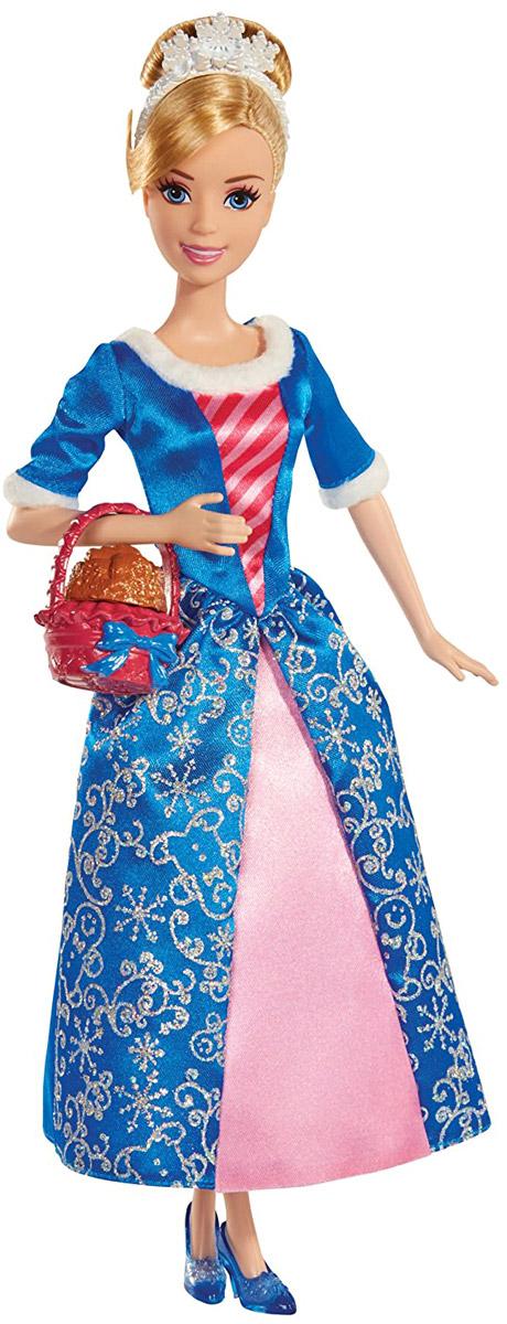 Disney Princess Кукла Золушка цвет платья синий розовыйBDJ10_BDJ15Кукла Disney Princess Золушка поможет вашей малышке окунуться в сказочный мир. Куколка выполнена в виде главной героини диснеевского мультфильма Золушка. Золушка одета в сине-розовое платьице, подол которого украшен серебряным принтом в виде снежинок, а на ногах - прозрачные туфельки на каблучках. На светлых волосах, убранных в красивую прическу, красуется стильная тиара. Ручки куклы на шарнирах. Ножки и голова куколки подвижны. В комплект вместе с куклой входит корзинка с искусственными печеньями, которые вкусно пахнут. Ваша малышка с удовольствием будет играть с этой куколкой, проигрывая сюжеты из мультфильма или придумывая различные истории.