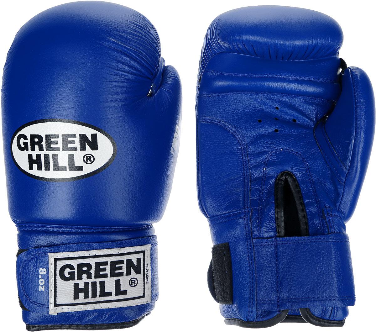 Перчатки боксерские Green Hill Tiger, цвет: синий, белый. Вес 8 унций. BGT-2010сBGT-2010сБоевые боксерские перчатки Green Hill Tiger применяются как для соревнований, так и для тренировок. Верх выполнен из натуральной кожи, вкладыш - предварительно сформированный пенополиуретан. Манжет на липучке способствует быстрому и удобному надеванию перчаток, плотно фиксирует перчатки на руке. Отверстия в области ладони позволяют создать максимально комфортный терморежим во время занятий. В перчатках применяется технология антинокаут.