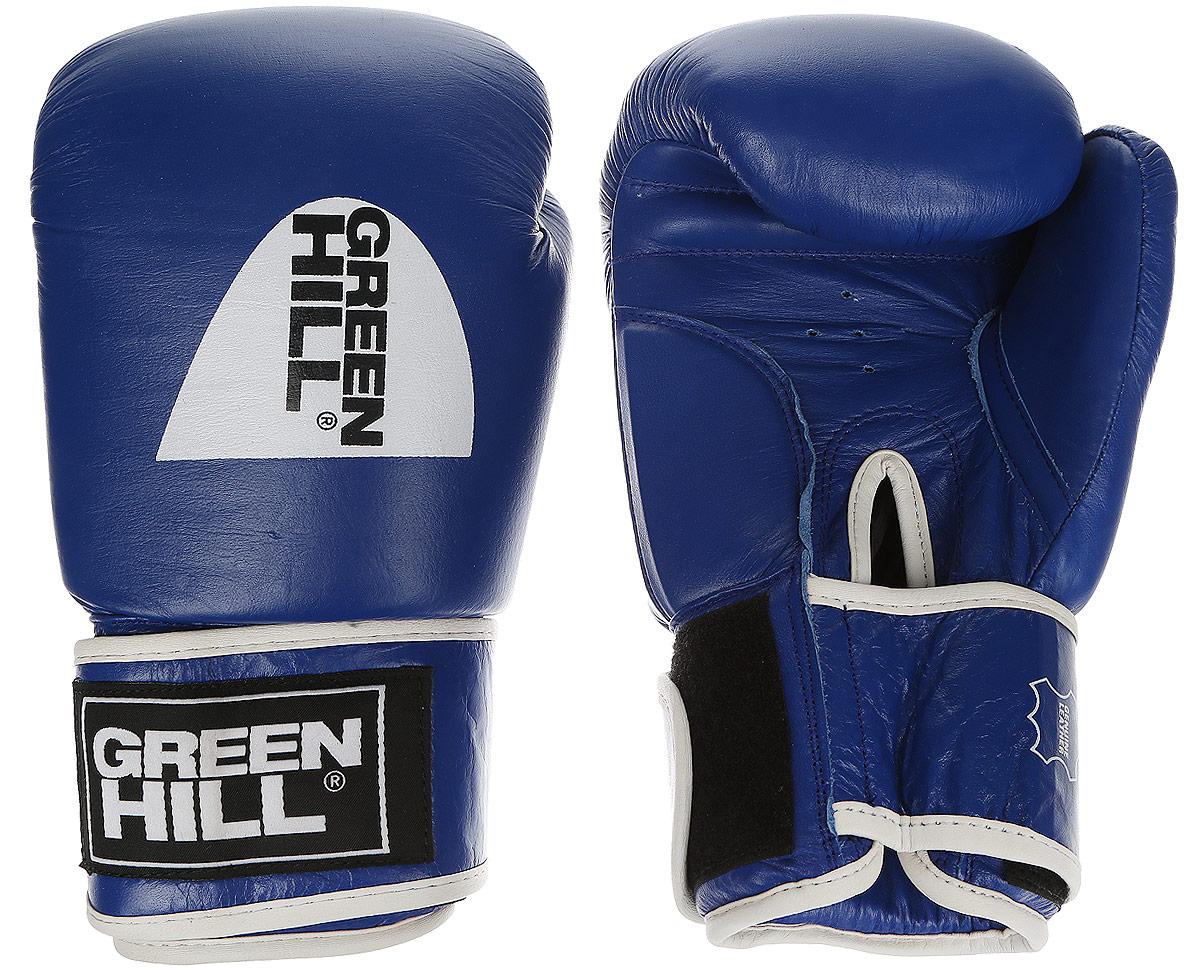 Перчатки боксерскиеGreen Hill Tiger Aiba, цвет: синий, белый. Вес 10 унций. BGT-2010аBGT-2010аБоевые боксерские перчатки Green Hill Tiger Aiba применяются как для соревнований, так и для тренировок. Верх выполнен из натуральной кожи, вкладыш - предварительно сформированный пенополиуретан. Манжет на липучке способствует быстрому и удобному надеванию перчаток, плотно фиксирует перчатки на руке. Отверстия в области ладони позволяют создать максимально комфортный терморежим во время занятий.