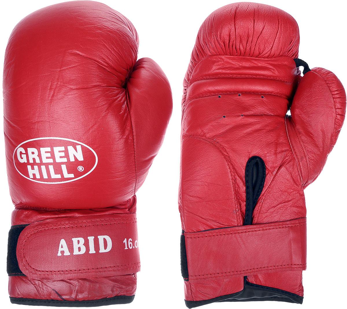 Перчатки боксерские Green Hill Abid, цвет: красный, белый. Вес 16 унцийBGA-2024Боксерские тренировочные перчатки Green Hill Abid выполнены из натуральной кожи. Они отлично подойдут для начинающих спортсменов. Мягкий наполнитель из очеса предотвращает любые травмы. Отверстия в районе ладони обеспечивают вентиляцию. Широкий ремень, охватывая запястье, полностью оборачивается вокруг манжеты, благодаря чему создается дополнительная защита лучезапястного сустава от травмирования. Застежка на липучке способствует быстрому и удобному одеванию перчаток, плотно фиксирует перчатки на руке.