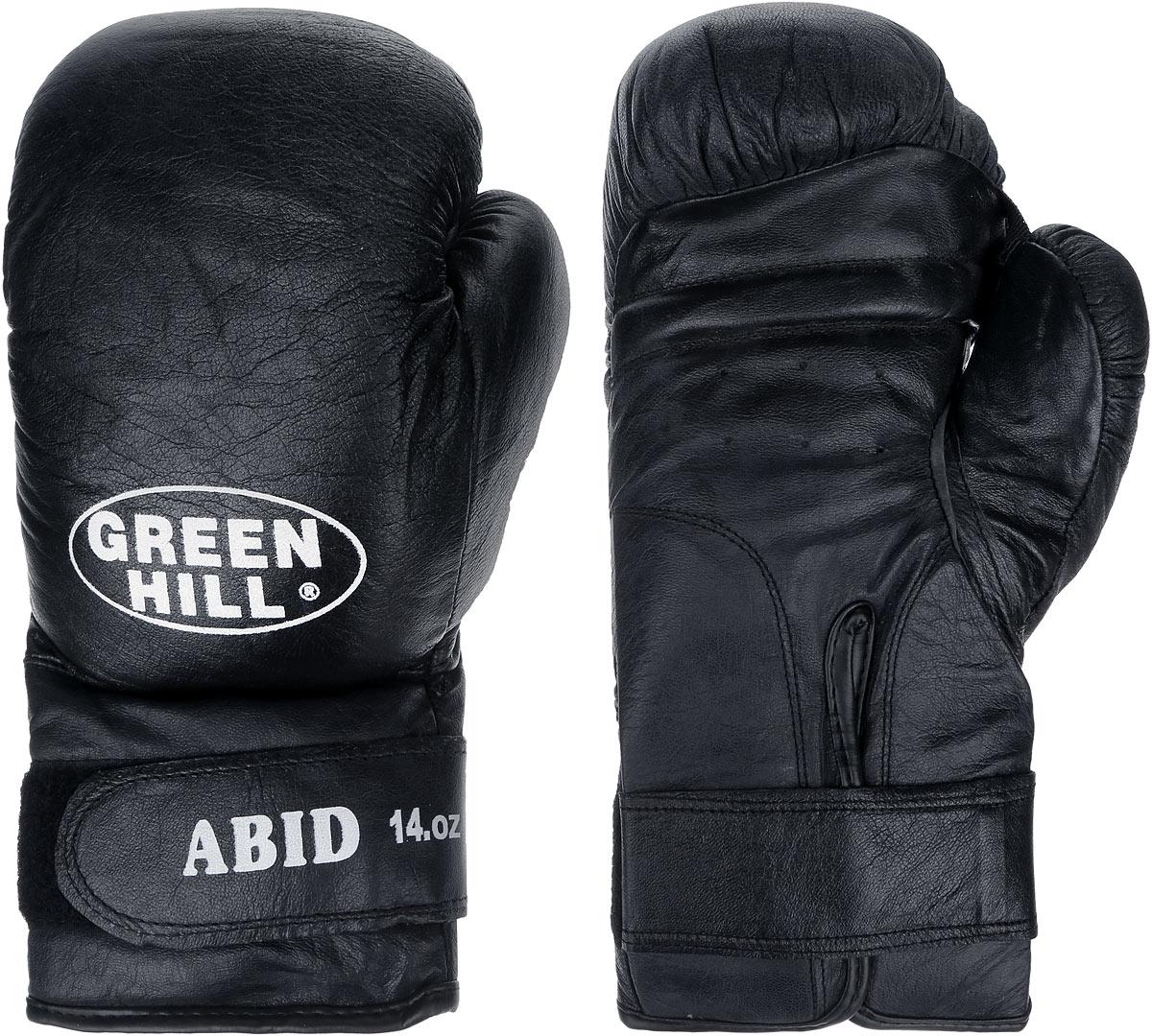 Перчатки боксерские Green Hill Abid, цвет: черный, белый. Вес 14 унцийBGA-2024Боксерские тренировочные перчатки Green Hill Abid выполнены из натуральной кожи. Они отлично подойдут для начинающих спортсменов. Мягкий наполнитель из очеса предотвращает любые травмы. Отверстия в районе ладони обеспечивают вентиляцию. Широкий ремень, охватывая запястье, полностью оборачивается вокруг манжеты, благодаря чему создается дополнительная защита лучезапястного сустава от травмирования. Застежка на липучке способствует быстрому и удобному одеванию перчаток, плотно фиксирует перчатки на руке.