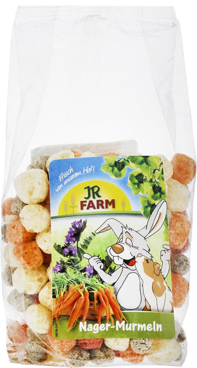 Лакомство для грызунов JR Farm Шарики из овощей и люцерны, 70 г37108Лакомство для грызунов JR Farm Шарики из овощей и люцерны - цветные, круглые и хрустящие шарики для грызунов. Оранжевые - морковь, красные - свекла, зеленые - люцерна, желтые - кукуруза. В зависимости от размера животного можно давать до 5 шариков в день в чистом виде или подмешивать в корм. Дополнительный корм для домашних кроликов, морских свинок, крыс, хомяков, мышей и шиншилл. Состав: кукуруза 95,6%, люцерна 2,5%, морковь 1,2%, свекла. Пищевая ценность: протеин 9,5%, жиры 3,2%, клетчатка 3,5%, зола 1,7%. Вес упаковки: 70 г.