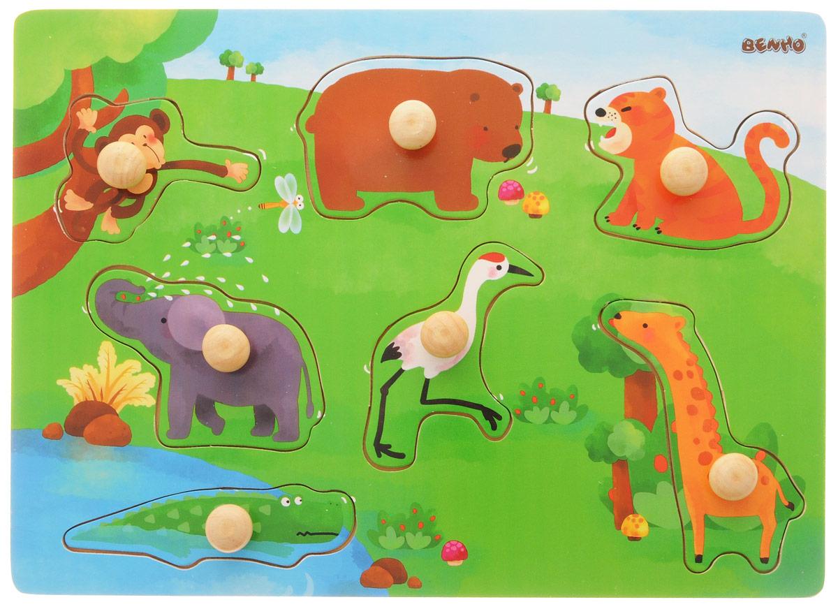 Vulpi Пазл для малышей Дикие животные13012Пазл с рамкой-вкладышем Дикие животные - это великолепная развивающая игрушка для ребенка от 1 года. На деревянной основе в виде зеленой полянки имеются отверстия, которые малыш должен заполнить фигурками животных. Яркие деревянные формочки порадуют малыша и позволят ему самостоятельно заполнить пазл. Каждая фигурка дополнена удобной деревянной ручкой. Яркие контрастные изображения позволят ребенку выучить основные цвета. Игра поможет развить мелкую моторику, память и логику.