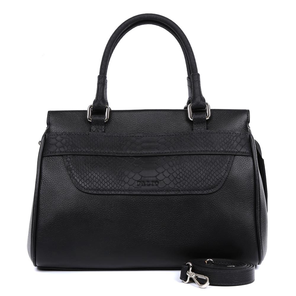 Сумка женская Palio, цвет: черный. 14470AR-W1-018/01814470AR-W1-018/018 blackЖенская сумка от итальянского бренда Palio выполнена из натуральной кожи, которая имеет плотную и приятную на ощупь фактуру. Классический черный цвет, элегантная вставка под рептилию- все это придает аксессуару невероятную стильность и актуальность в нынешнем сезоне. Внутри вы сможете расположить женские мелочи и сотовый телефон с помощью удобных карманов. Аксессуар очень компактен, не вмещает формат А4, в комплекте имеется удобный наплечный ремень. Фурнитура- серебро.