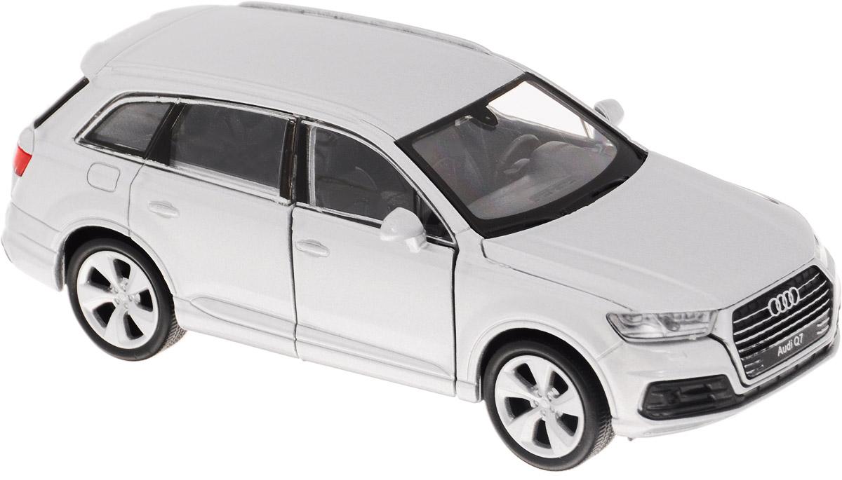 Welly Модель автомобиля Audi Q7 цвет серебристый43706_серебристыйМодель автомобиля Welly Audi Q7 - отличный подарок как ребенку, так и взрослому коллекционеру. Благодаря броской внешности, а также великолепной точности, с которой создатели этой модели масштабом 1:34 передали внешний вид настоящего автомобиля, модель станет подлинным украшением любой коллекции авто. Машина будет долго служить своему владельцу благодаря металлическому корпусу с элементами из пластика. Дверцы машины открываются, резиновые шины обеспечивают отличное сцепление с любой поверхностью пола. Такая модель станет замечательным подарком не только любителю автомобилей, но и человеку, ценящему оригинальность и изысканность, а качество исполнения представит такой подарок в самом лучшем свете.